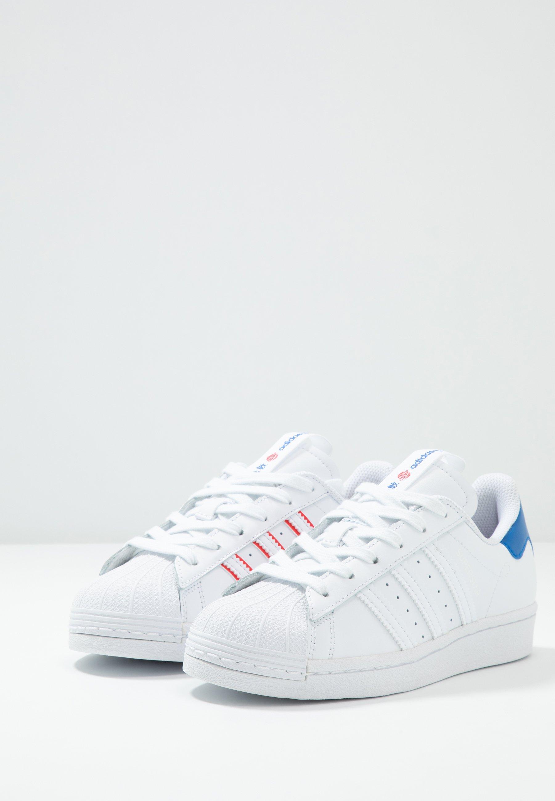 Geringster Preis adidas Originals SUPERSTAR - Sneaker low - footwear white/glow blue | Damenbekleidung 2020