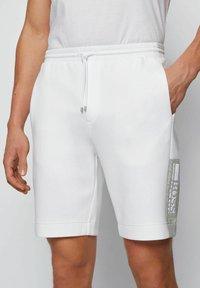BOSS - HEADLO - Shorts - white - 3