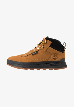 FIELD TREKKER MID - Lace-up ankle boots - wheat/black