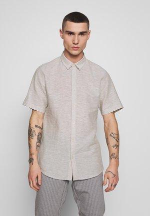 ONSCAIDEN SS LINEN SHIRT NOOS - Shirt - chinchilla