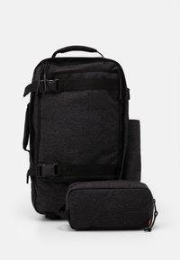 Levi's® - TRAVEL BAG - Sports bag - regular black - 3