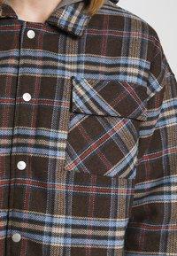 Sixth June - OVERSIZE TARTAN WITH HOOD - Light jacket - dark brown - 5