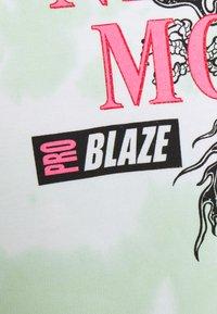 NEW girl ORDER - MOTOCROSS DRAGON TIE DYE - Sweatshirt - mint - 2