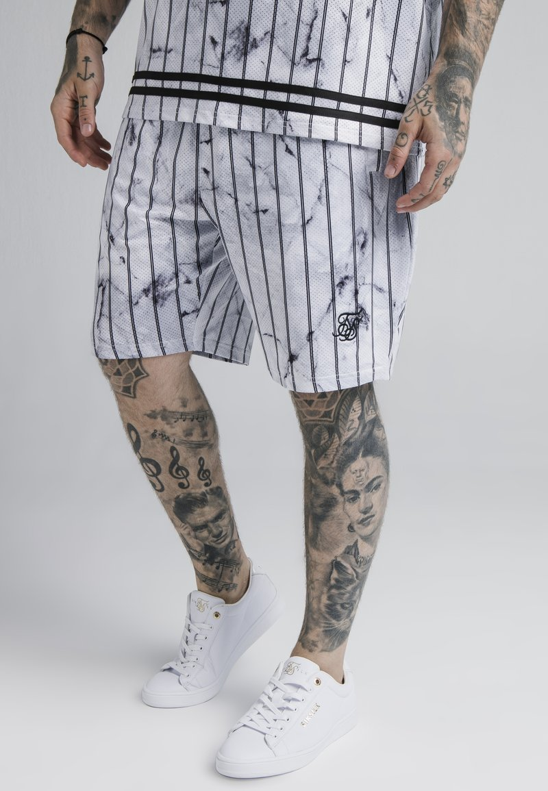 SIKSILK - MARBLE RELAXED - Shorts - white/grey