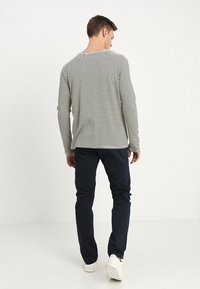 TOM TAILOR - ESSENTIAL SOLID - Broek - outer space blue - 2