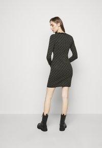 MICHAEL Michael Kors - DOT MINI DRESS - Pouzdrové šaty - concrete - 2