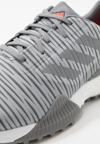 adidas Golf - CODECHAOS SPORT - Golfové boty - grey two/grey three/solar red - 5