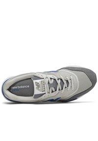 New Balance - CM997HVA - Zapatillas - black/grey - 1