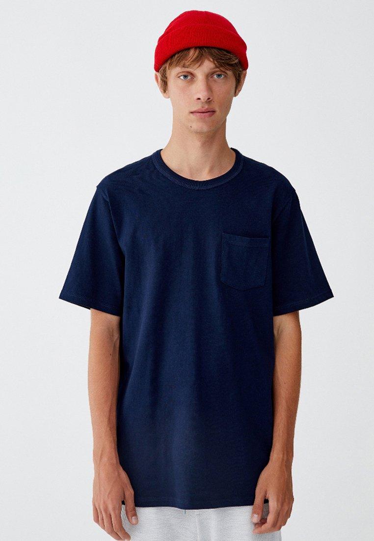 PULL&BEAR - MIT BRUSTTASCHE - T-shirt - bas - dark blue