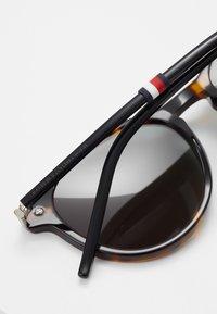 Tommy Hilfiger - Sluneční brýle - brown - 4