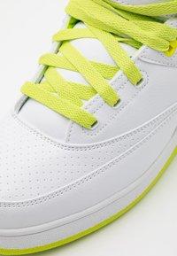 Ewing - Zapatillas altas - white/lime punch/dewberry - 5