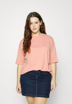 CARSISI OVERSIZED - Basic T-shirt - rosette