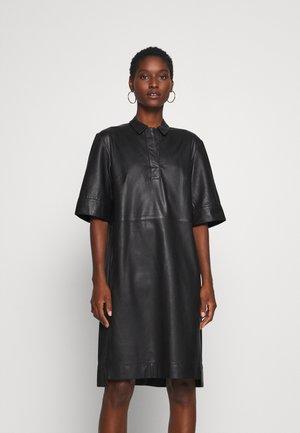 DRESS CROPPED SLEEVE LENGT - Košilové šaty - black