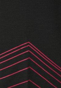 Zimtstern - ECOFLOWZ - Print T-shirt - pirate black/jester red - 2