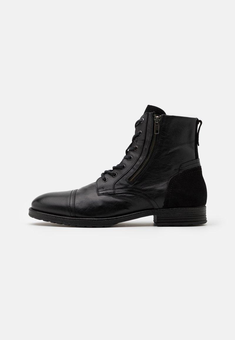 ALDO - BRAVIN - Šněrovací kotníkové boty - black