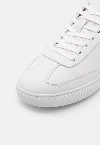 Clae - DEANE - Sneakersy niskie - triple white - 5