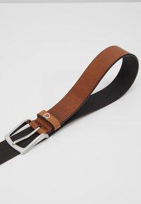 Strellson - 3088 - Belt - cognac - 3