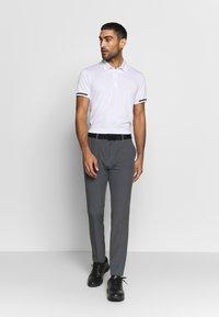 Cross Sportswear - BRASSIE - Polotričko - white - 1