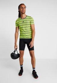 ODLO - CREW NECK ZEROWEIGHT - T-Shirt print - safety yellow/odlo graphite grey - 1