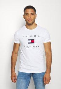 Tommy Hilfiger - FLAG TEE - Print T-shirt - white - 0