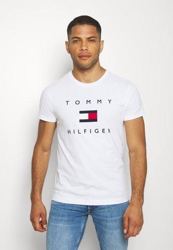 FLAG TEE - T-shirt med print - white
