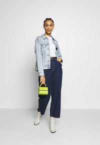 Levi's® - EX-BOYFRIEND TRUCKER - Denim jacket - extra-ordinary - 1