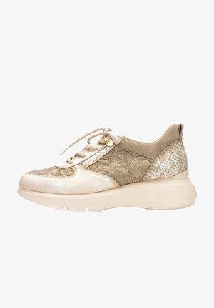 ACONCAGUA - Chaussures à lacets - vainilla multi