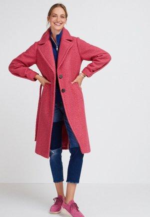 BOUCLÉCOAT - Classic coat - pink