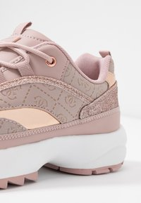 Guess - KAYSIE5 - Zapatillas - blush - 2