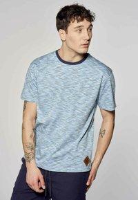 MDB IMPECCABLE - Print T-shirt - blue - 0