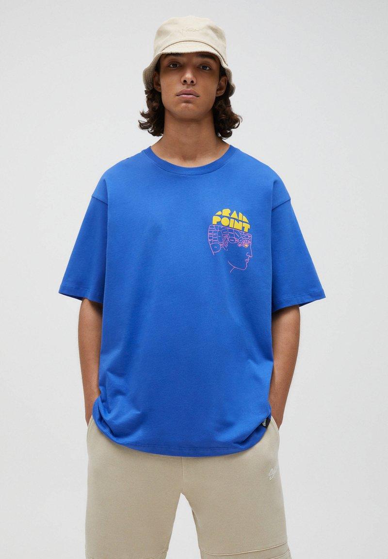 PULL&BEAR - Print T-shirt - mottled royal blue