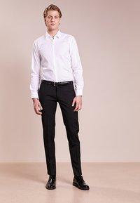 HUGO - ELISHA - Business skjorter - white - 1