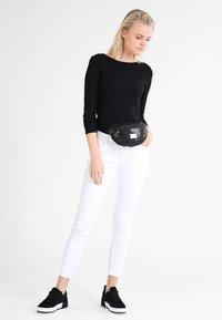 Spiral Bags - HARVARD - Ledvinka - black glamour - 1