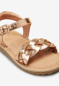 Next - ROSE GOLD BUCKLE TWIST SANDALS (YOUNGER) - Sandalen - gold - 4