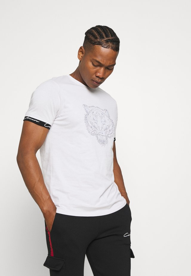 HIDDEN LOGOBAND FURY TEE - T-shirt con stampa - white