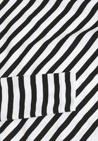 Selected Femme - SLFSTANDARD TEE  - Top sdlouhým rukávem - black/snow white - 5