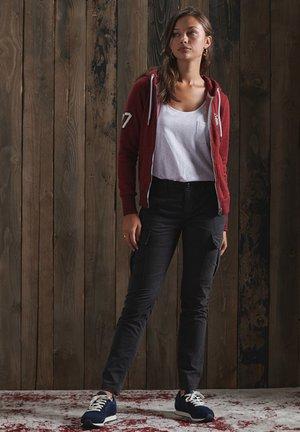 Zip-up hoodie - rich red grit