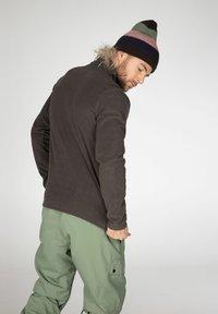 Protest - PERFECTO  - Fleece jumper - swamped - 3