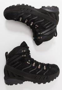 Scarpa - CYCLONE GTX - Zapatillas de senderismo - black/gray - 1