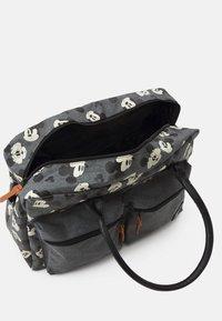 Kidzroom - DIAPER BAG MICKEY MOUSE BETTER CARE SET - Bolsa cambiador - grey - 3