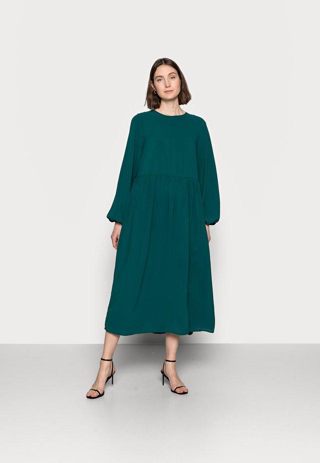 OVERSIZED MIDI SMOCK DRESS - Day dress - dark green