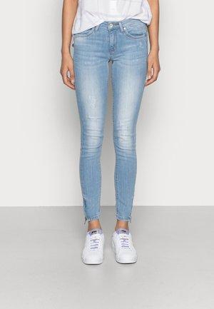 ONLKENDELL REGSK ANK ZIP - Jeansy Skinny Fit - light blue denim