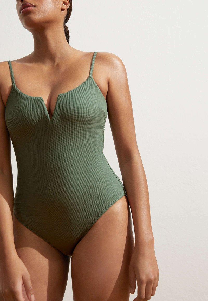 OYSHO - Plavky - khaki