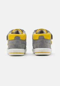 Superfit - MOPPY - Touch-strap shoes - grau/gelb - 2