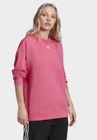adidas Originals - Sweatshirt - sesopk - 2