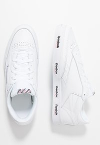 Reebok Classic - REVENGE PLUS TENNIS STYLE SHOES - Trainers - white/black/primal red - 1