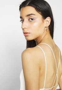 BDG Urban Outfitters - STRAPPY BUNGEE BODY THONG STRAP - Top - white - 3