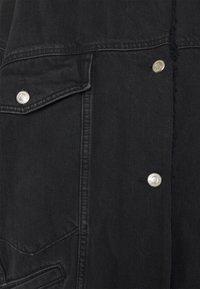 Topshop Petite - BORD DAD JACKET - Denim jacket - washed black - 2