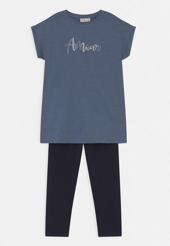 SET - Print T-shirt - coronet blue