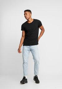 Tigha - MILO LOGO - Print T-shirt - black - 1